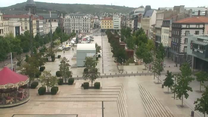 HD Live Webcam Clermont-Ferrand 04 - place jaude