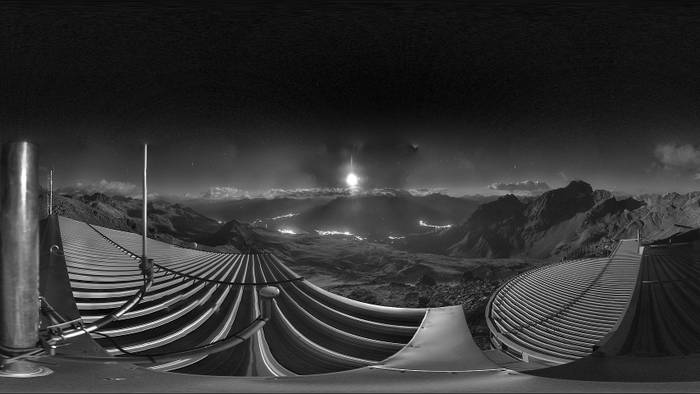 HD Live Webcam St. Moritz - Skigebiet Corviglia - Piz Nair Bergstation
