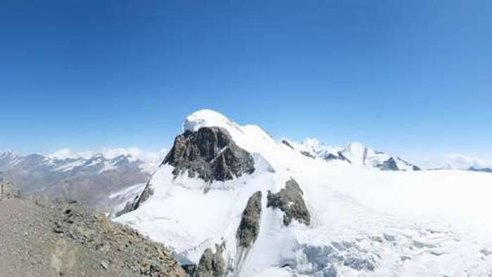 HD Live Webcam Zermatt - Klein Matterhorn Glacier Paradise
