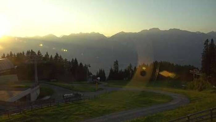 HD Live Webcam Tulfes - Glungezerbahn Mittelstation